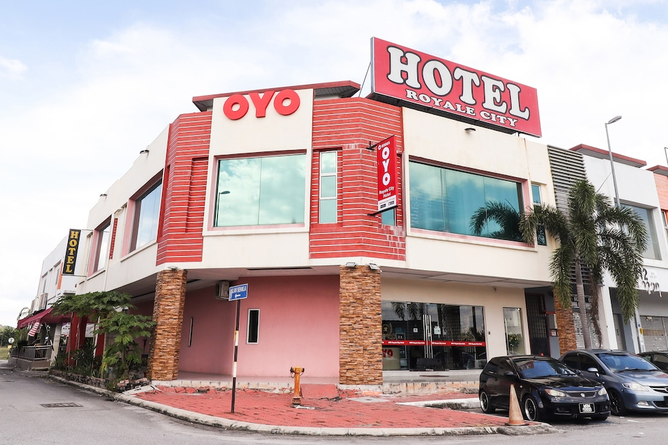 OYO 89665 Royale City Hotel