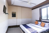 SPOT ON 66416 Hotel Yuvraj Guest House