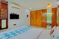 OYO Home 66430 Vardhan  House