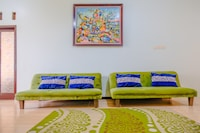 OYO 2376 Tiara Family Residence