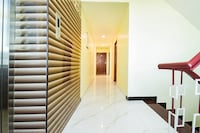 Capital O 66492 Hotel Amaran Deluxe