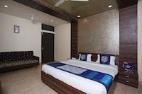 OYO 5449 Hotel SBD Guest House
