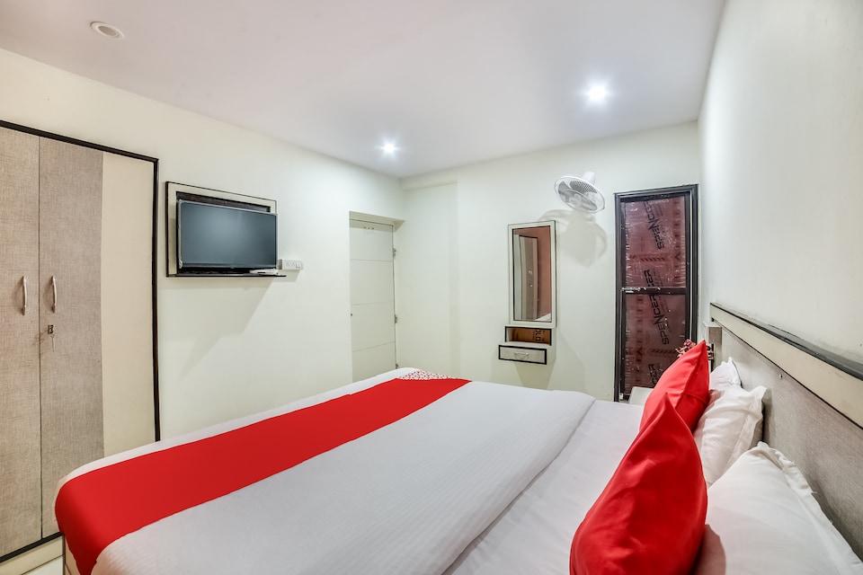 OYO 66523 Hotel Aditya