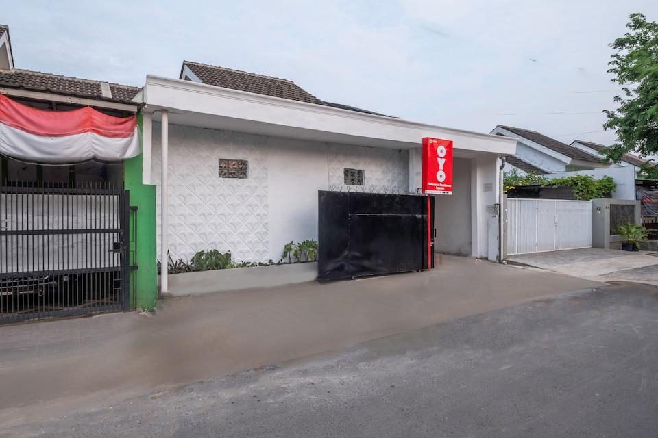 OYO 2391 Baladewa Residence Syariah, Karawang, Karawang