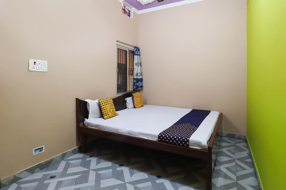 SPOT ON 66549 Deepak Marriage Hall Awasiya Hotel