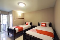 OYO 493 Mali's Room