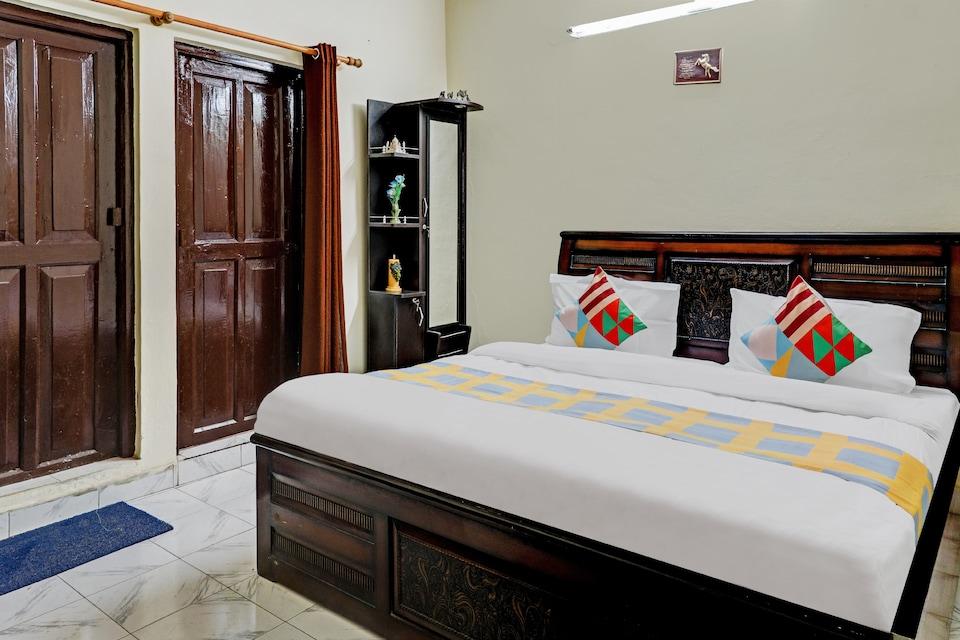 OYO Home 66551 Elegant 2BHK Cottage Mussoorie