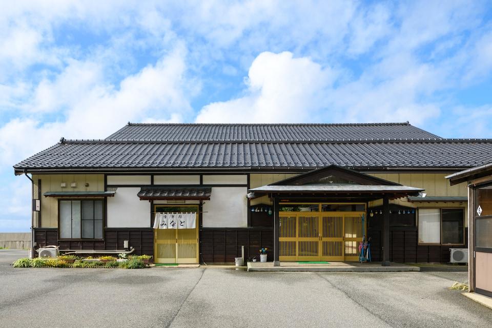 OYO Ryokan Ryosou Minato Sado