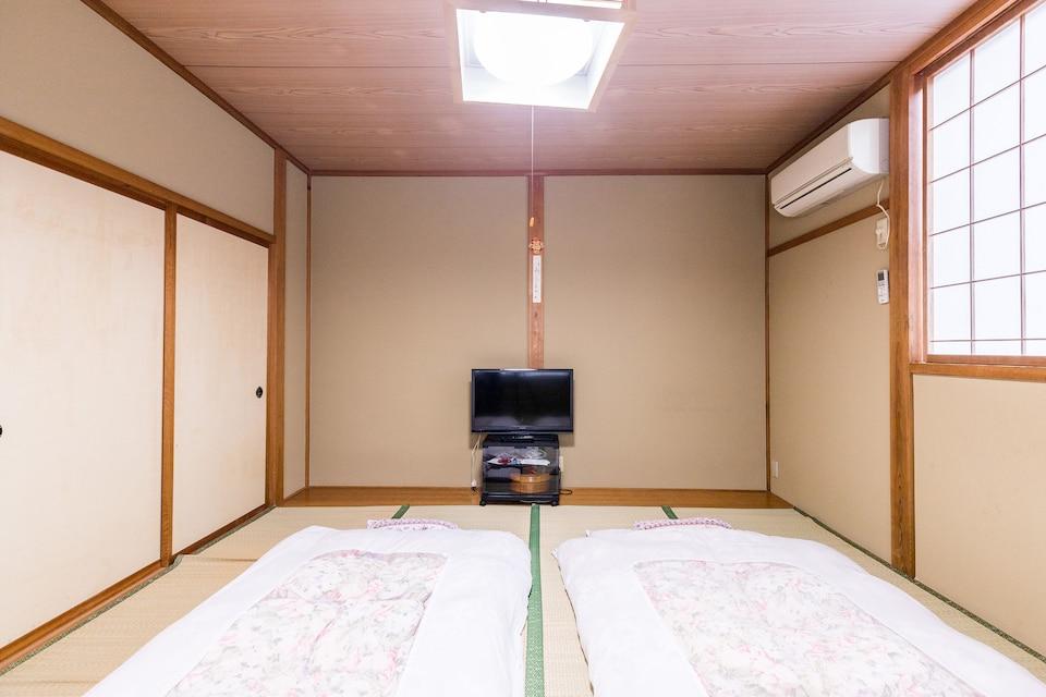 OYO 44680 Ryosou Minato
