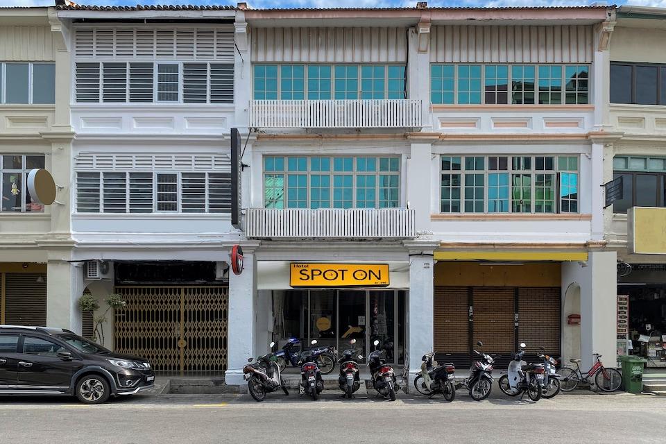 Spot on 89673 Good Friend Hotel