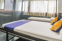 SPOT ON 66572 Hotel Gaurav