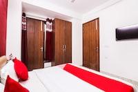 OYO 66577 Aakash Residency
