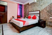 OYO 12849 Hotel Grand Akshay