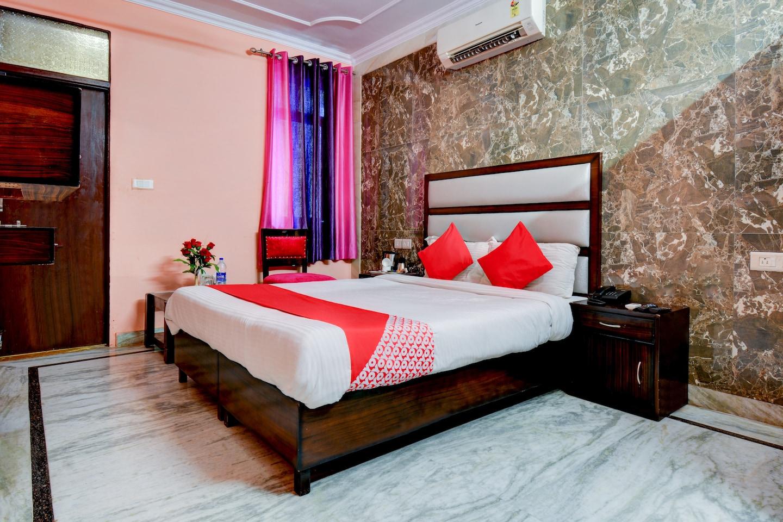 OYO 12849 Hotel Grand Akshay -1