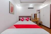 OYO 644 Stella House & Apartment