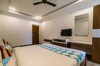 OYO Home 66627 Opulent Stay
