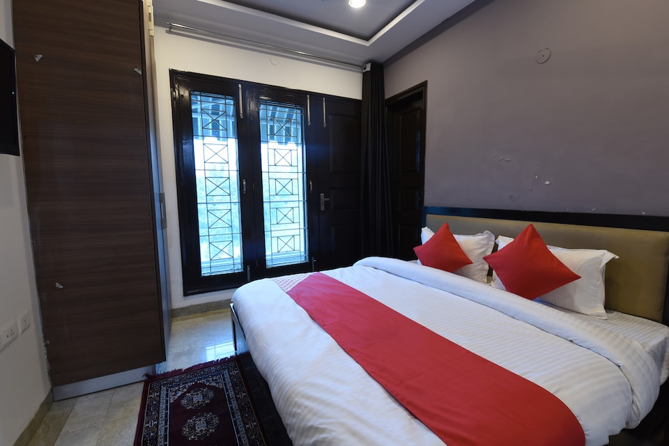 OYO 5470 Khushi Residence