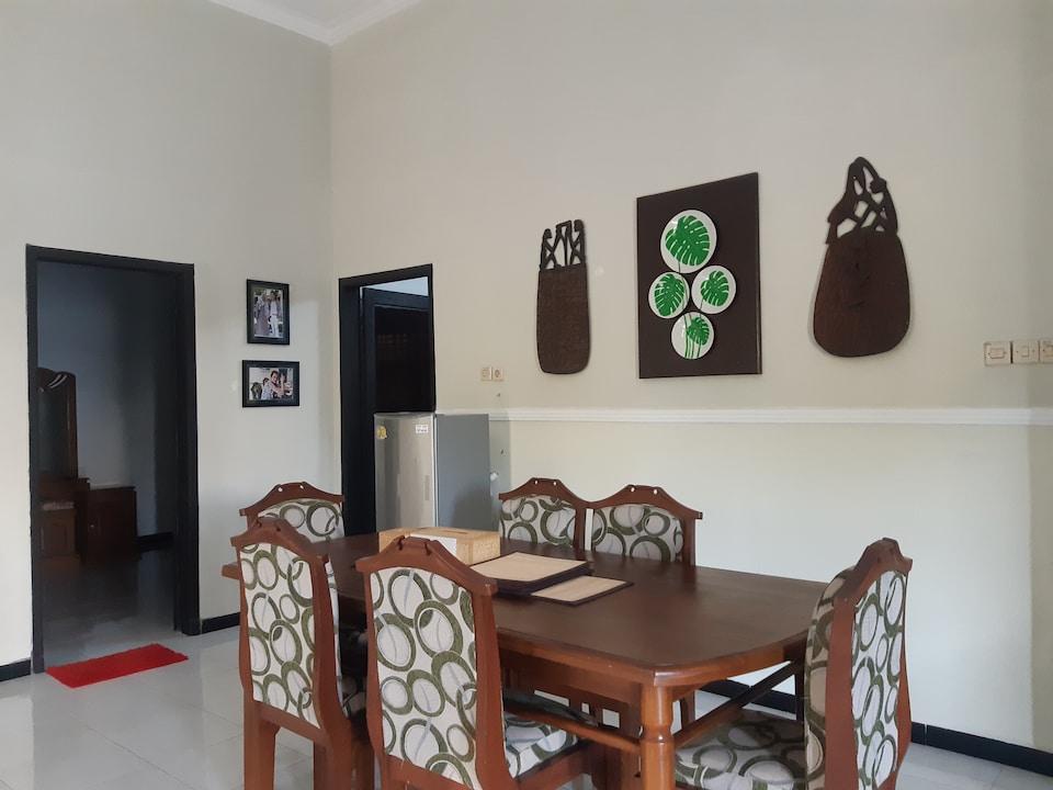 Godong Family House