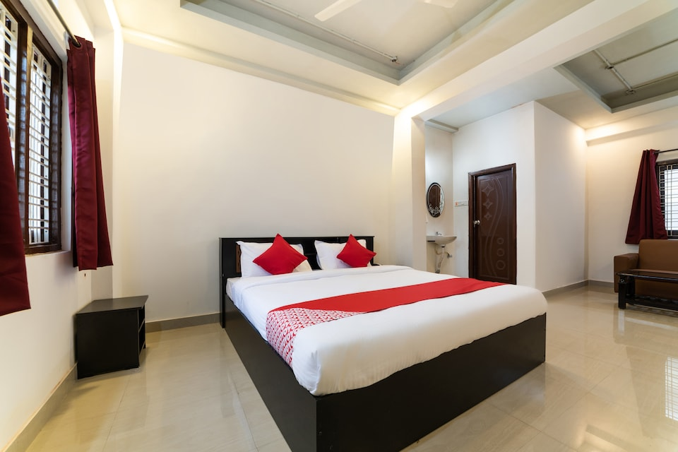 OYO 66733 Hotel Fortune Bliss