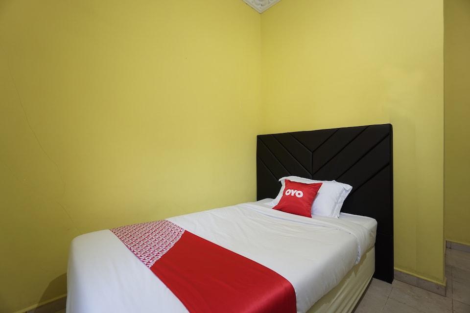 OYO 2486 Bahana Guest House