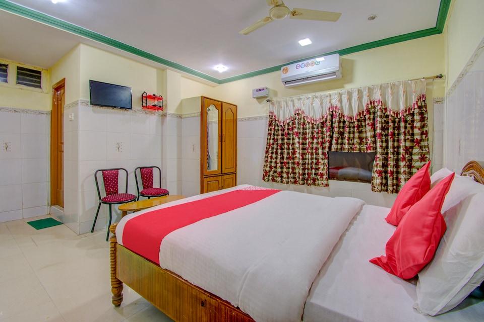 OYO 66770 Sri Vijaya Grand Residency