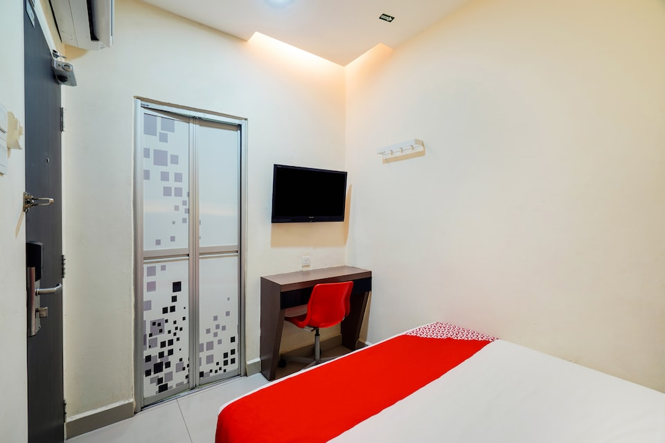 OYO 89683 Gm Holiday Hotel Permai Jaya