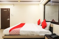 OYO 66811 Hotel Nahta Palace