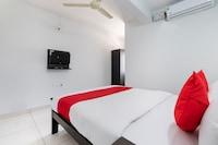 OYO 66899 SLV Hotel