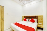 OYO 66904 Hotel Laxmi Villa