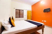 SPOT ON 66941 Surya Hotel