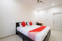 OYO 67000 The Chateau Boutique Hotel