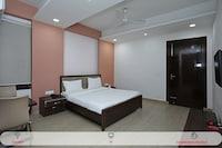 SPOT ON 67048 Hotel Raj Palace