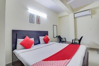 OYO 67086 Hotel Red Rose