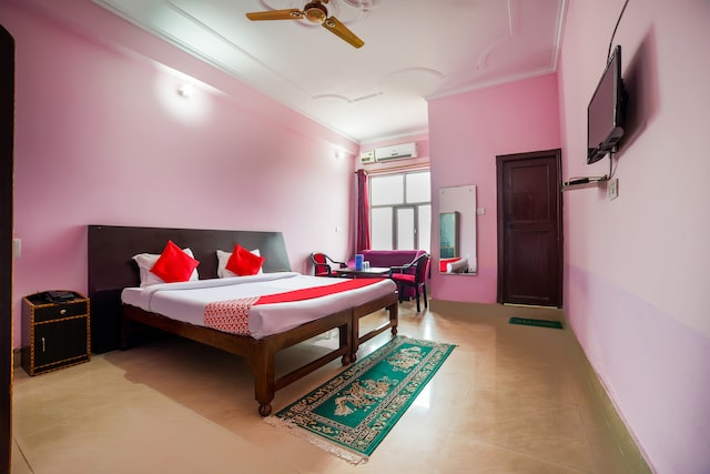 OYO 67138 Pappu & Pappu Resort Deluxe
