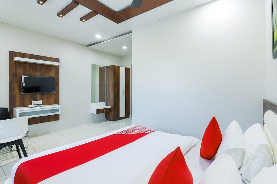 OYO 67158 Hotel Bhagvati