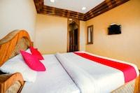 OYO 5519 Hotel Vishaka Palace Deluxe