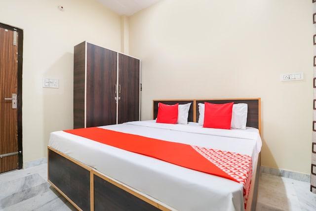 OYO 67253 Hotel Andrew's