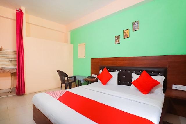 OYO 67304 Hotel Krishna Palace