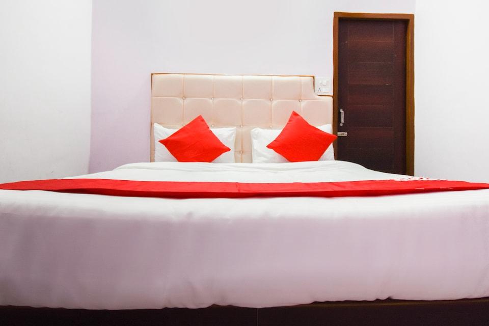OYO 67341 Divine Motel