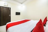 OYO 67353 Hotel Magnum