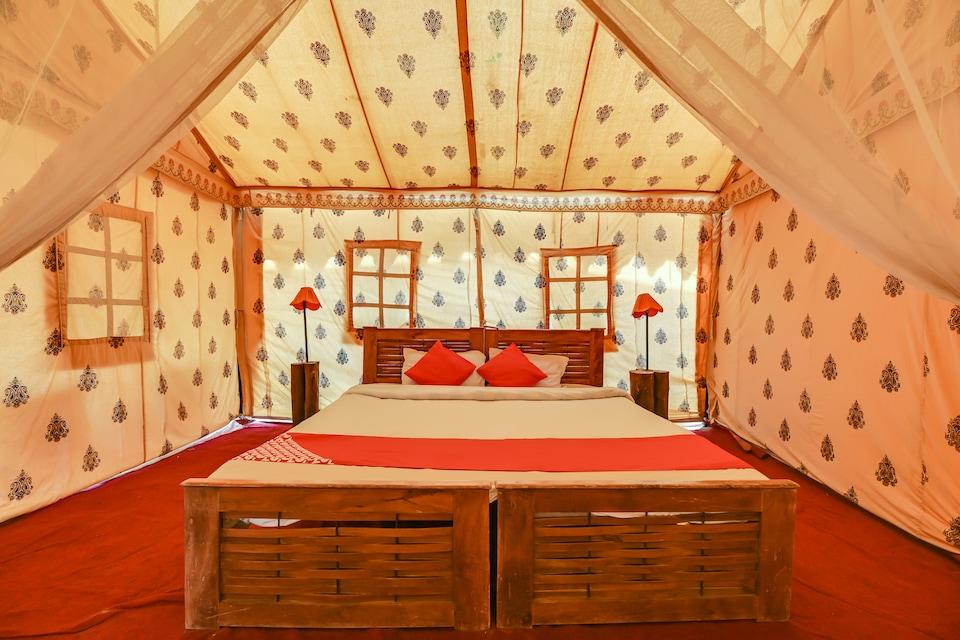 OYO 67375 The Chirag Desert Camp