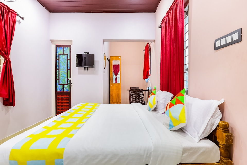 OYO Home 67400 Pleasant Stay Edens Home Near Alleppey Boathouse