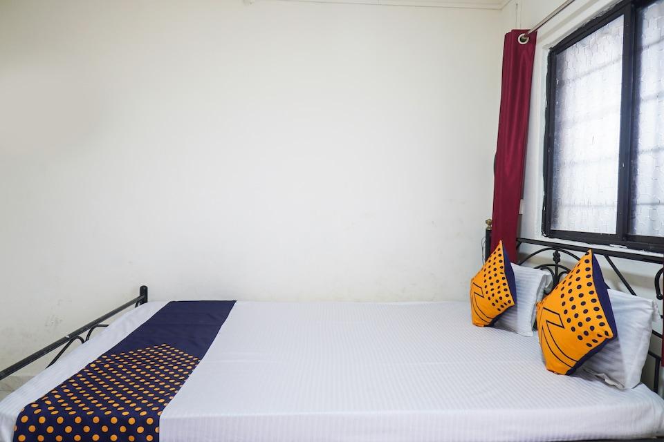 SPOT ON 67435 Hotel Ambadnya