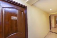 OYO 89703 B Link Hotel