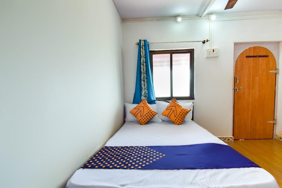 SPOT ON 67491 Hotel Giriraj