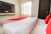 OYO 67595 Hotel Red Ark