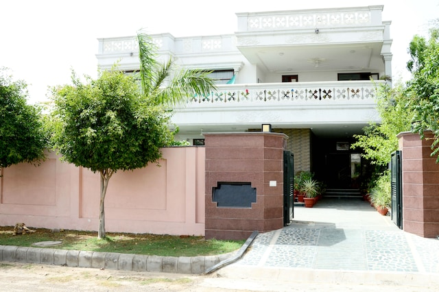 OYO Homes 240 NRI Colony Haldighati Marg
