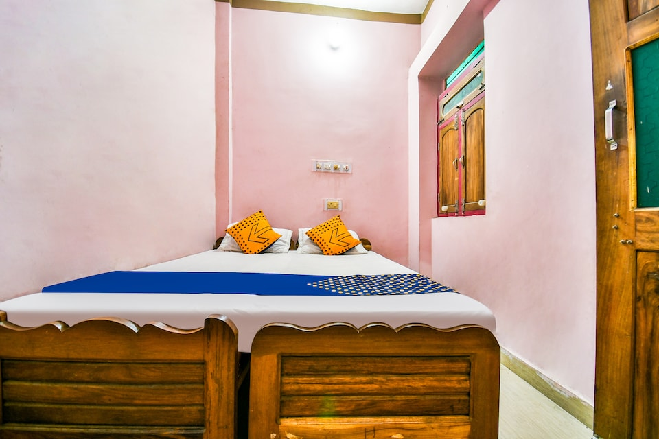 SPOT ON 67611 Maa Ambey Guest House