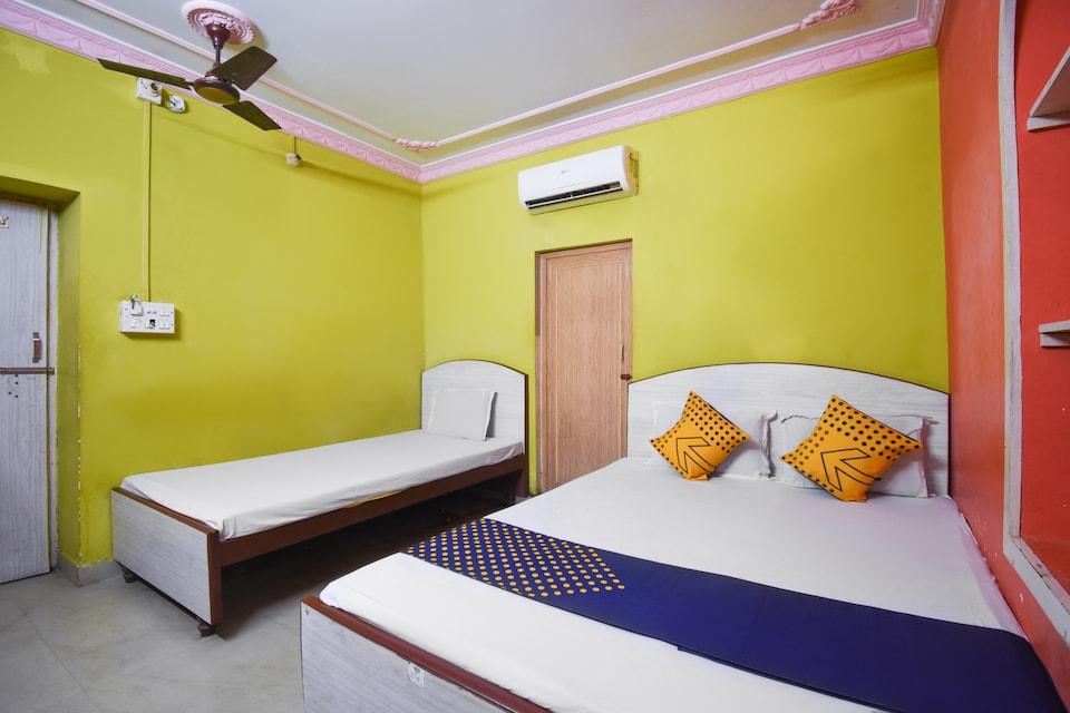 SPOT ON 67631 Maa Tara Guest House