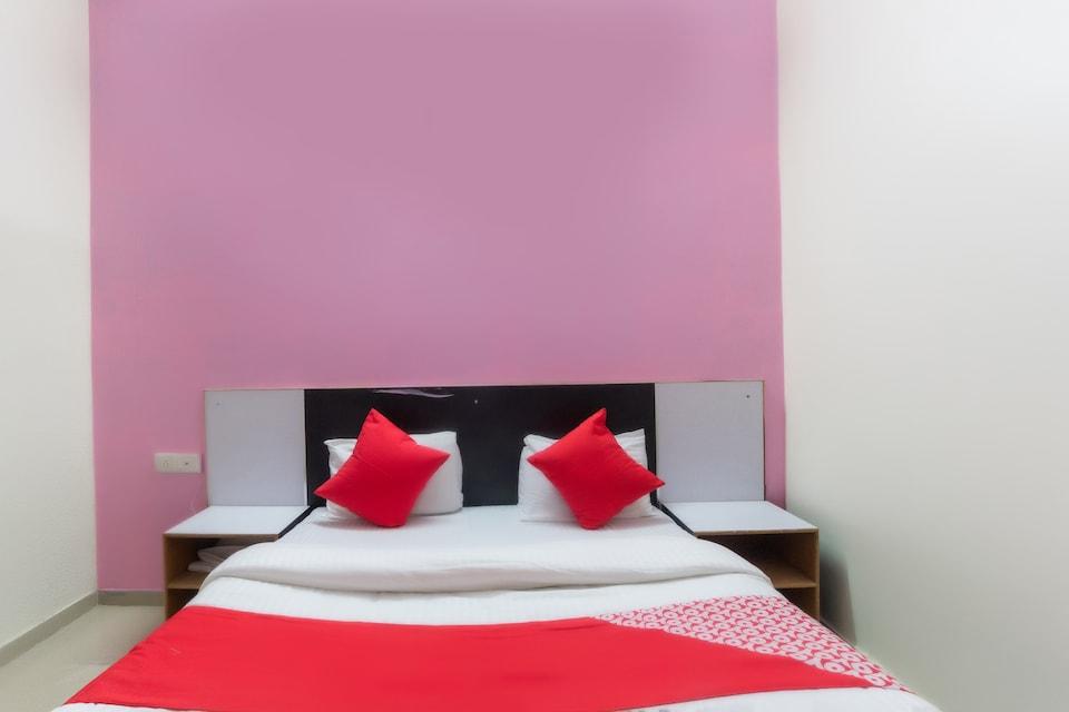 OYO 67635 Hotel Ranchod And Guest House, Petlad Road Nadiad, Nadiad